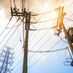 Compartilhamento de postes para antenas 5G